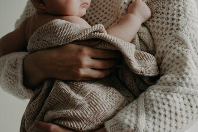 """L'importanza del dormire per le """"nuove mamme""""."""