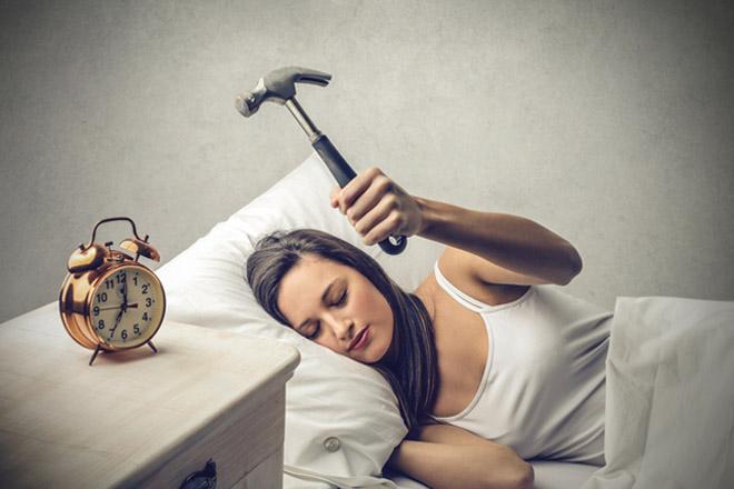 Come si Svegliavano le Persone Prima dell'Invenzione della Sveglia?