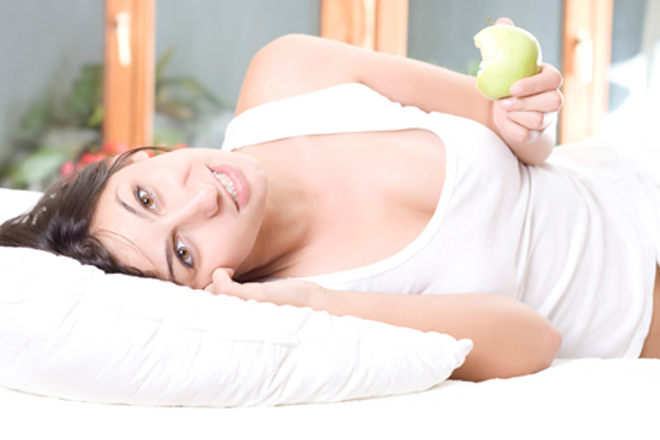Dimagrire mentre dormi? Ecco 5 segreti per perdere peso nel sonno!