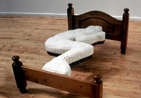Letti stranissimi: il materasso ergonomico!