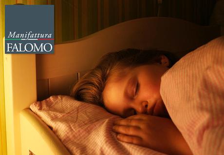 Tuo figlio dorme ancora con le luci accese? Ecco la soluzione!