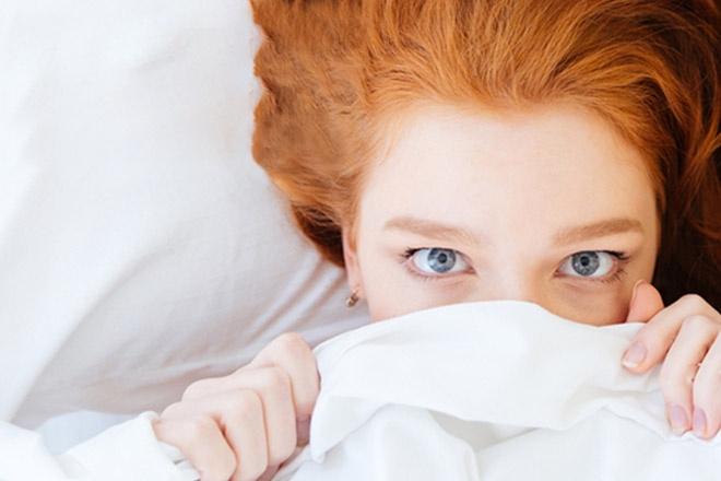 Perché è così difficile riuscire a dormire bene in un posto nuovo?