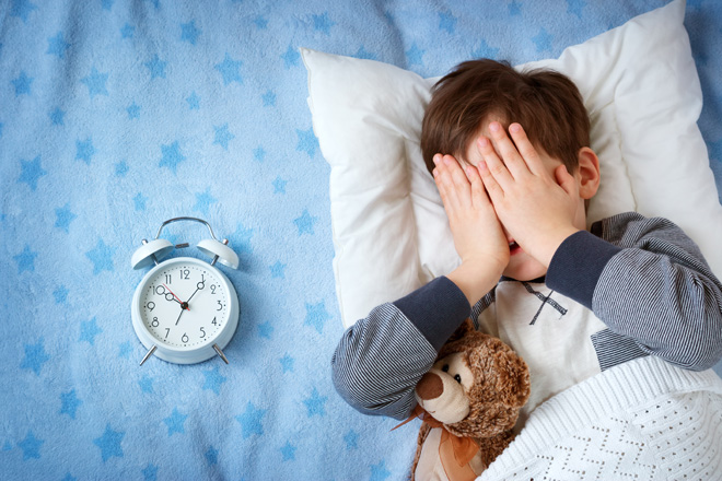 La mattina ti piace dormire? La scienza dice che sei più creativo!