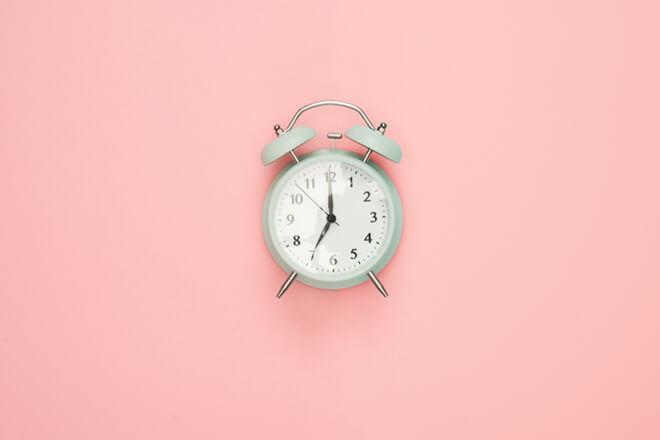 Quante sono le ore di sonno ideali per riposare bene ogni notte?