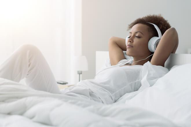 ASMR: che cos'è e come aiuta il sonno?